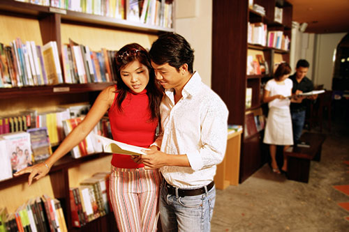 reading-books_couple_resize
